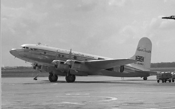 Avro_Super_Trader_at_Manchester_1955