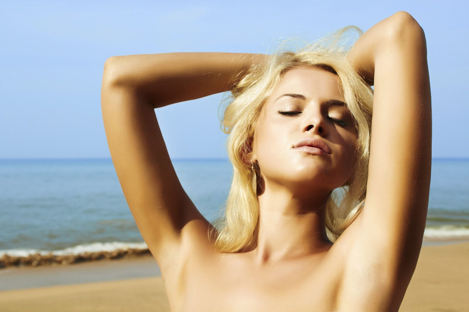 10 Exotic Nude Charter Cruises