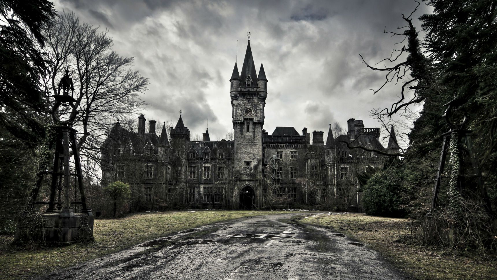 The 10 Scariest Haunted Castles In The World