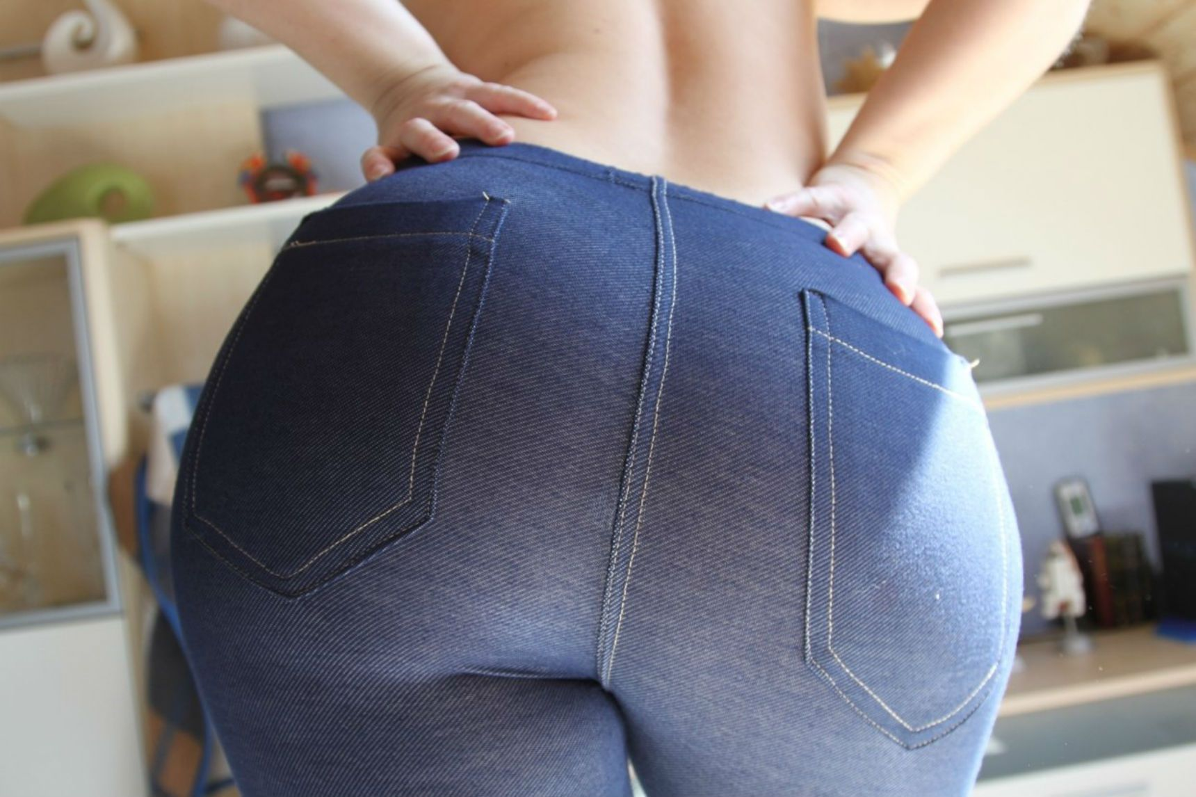 Big ass yoga pants pics
