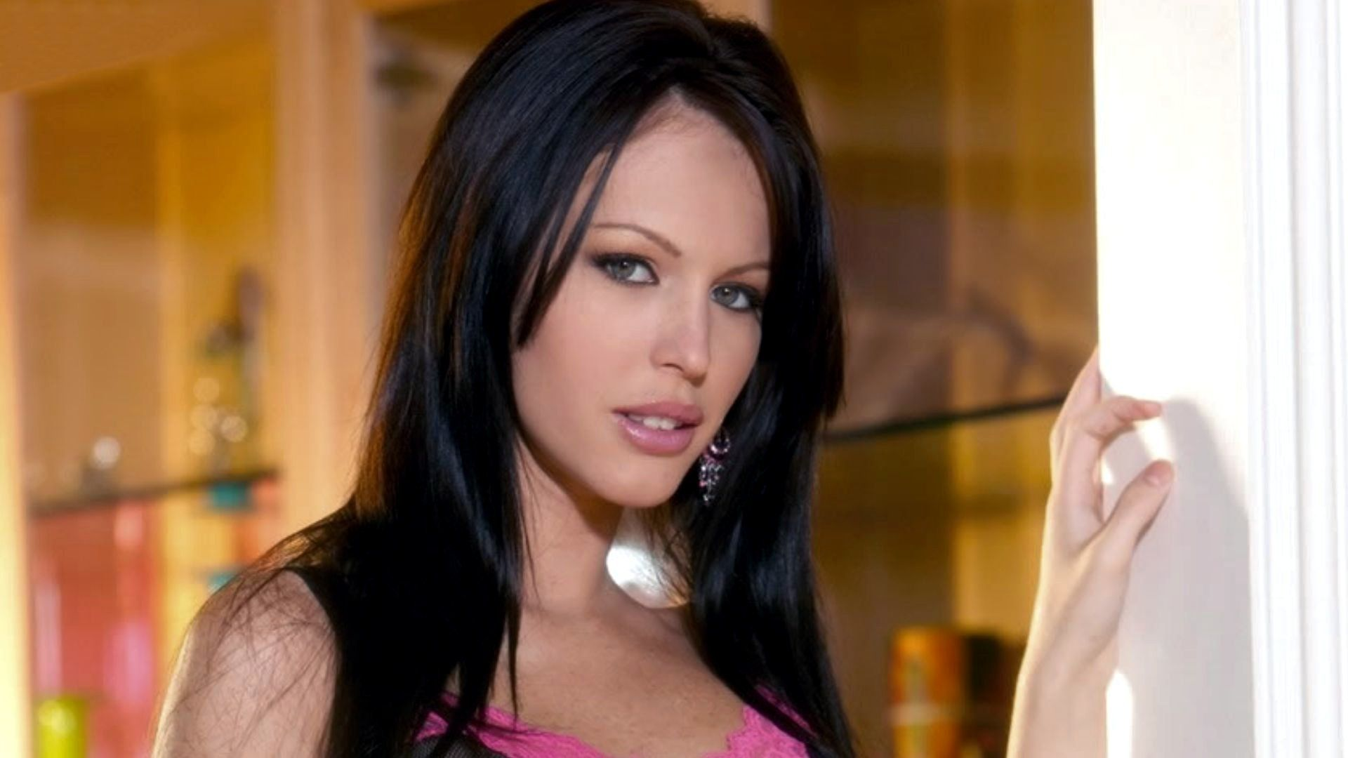 10 Adult Film Stars Who Hated Their Job