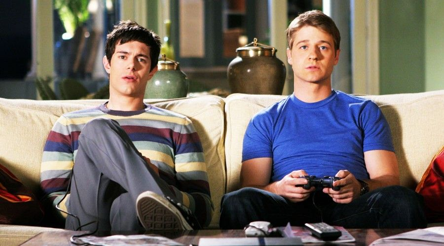 10 Signs Your Bromance Is Becoming Toxic