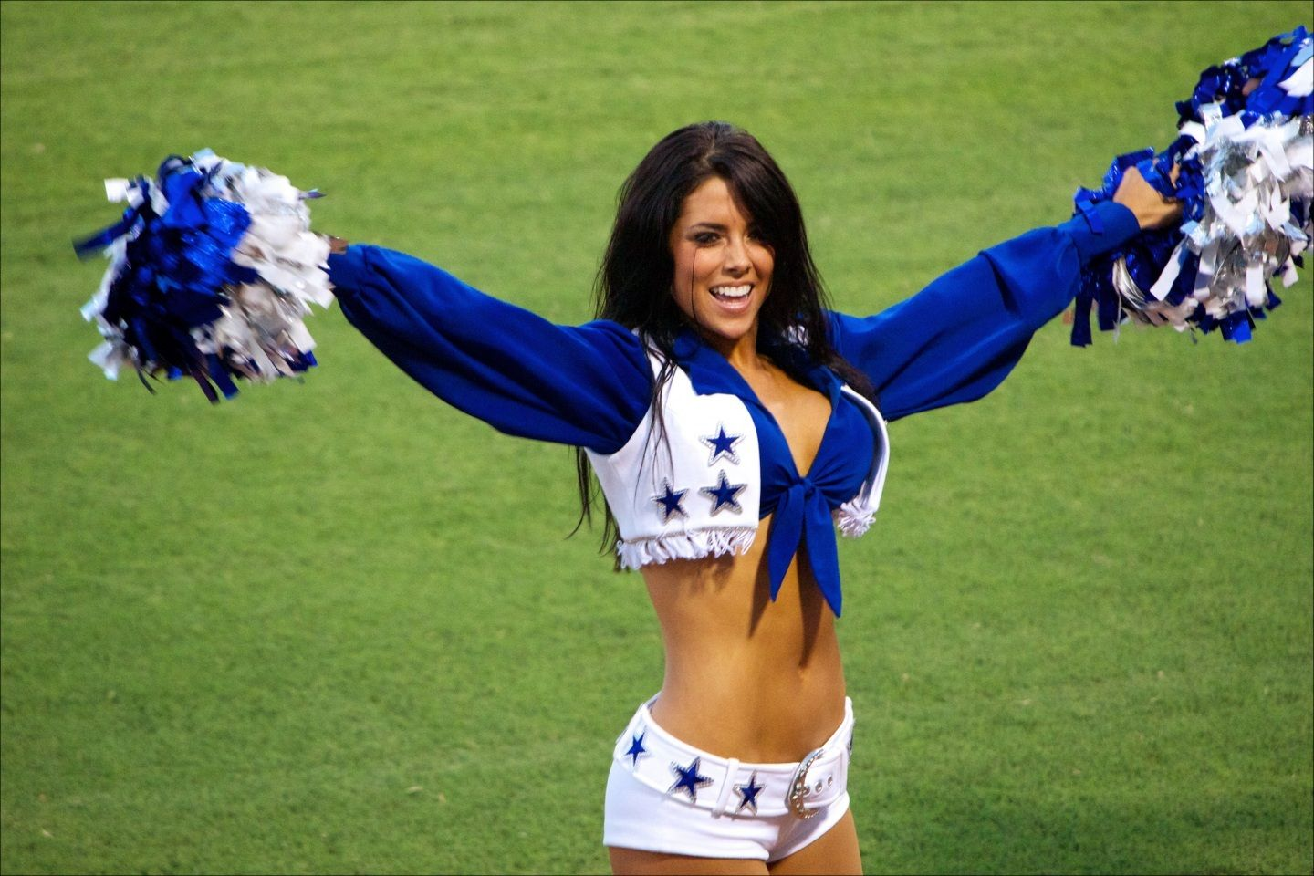 The 10 Hottest Dallas Cowboys' Cheerleaders Ever