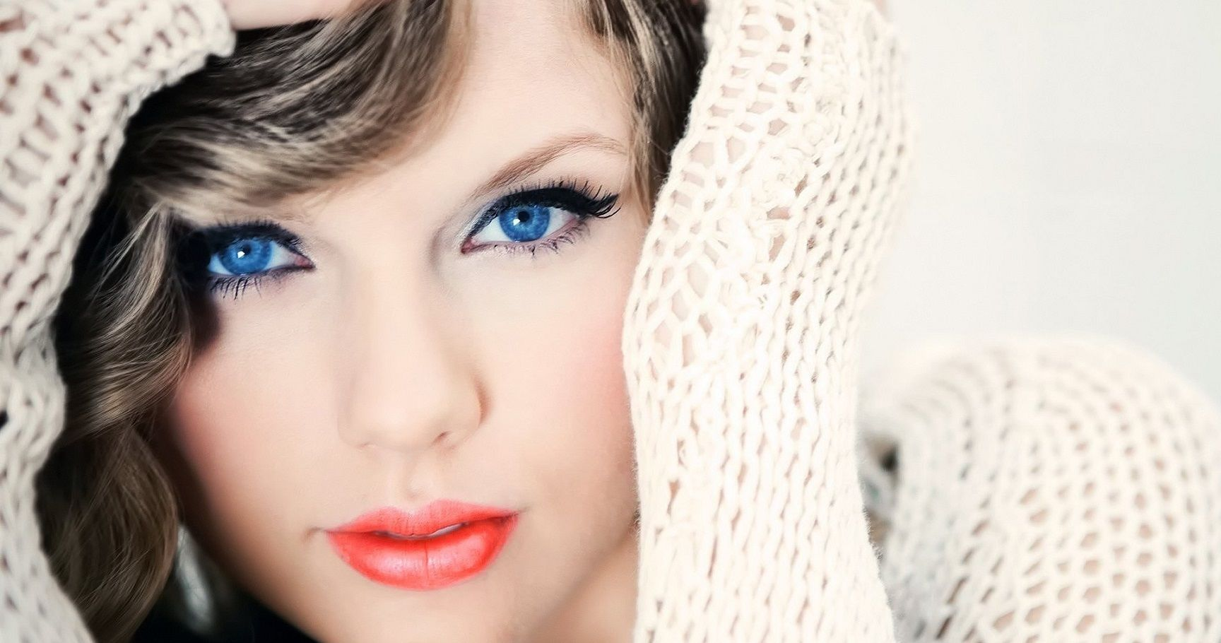 The 20 Sexiest Blue-Eyed Celebrities