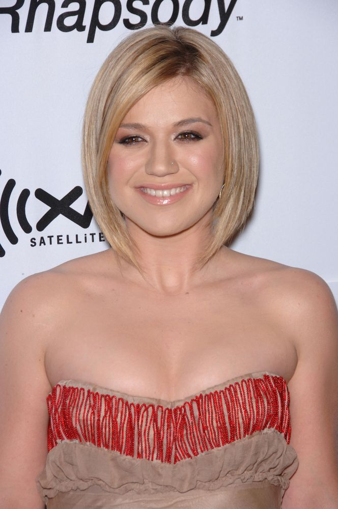 2. Kelly Clarkson
