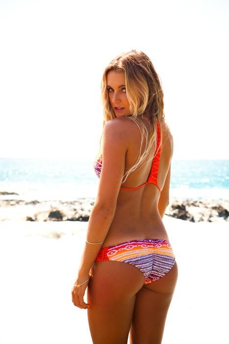 http://s3.amazonaws.com/smgphotogallery/mu/bnqt-babes-15-must-see-photos-of-surf-hottie-alana-blanchard-showing-off-her-perfect-butt/700/1.jpg