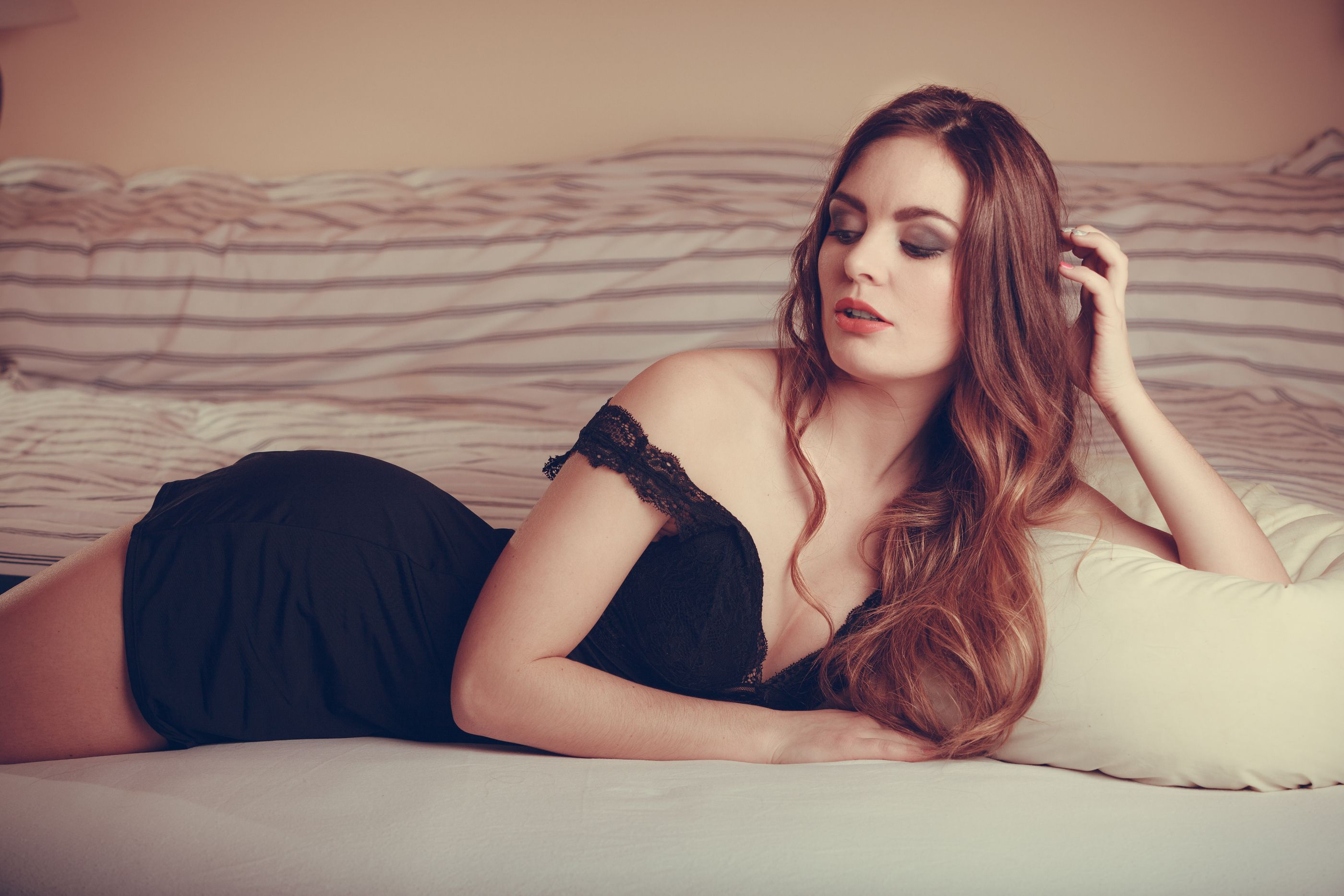 10 Secret Erogenous Zones She's Dying For You to Touch