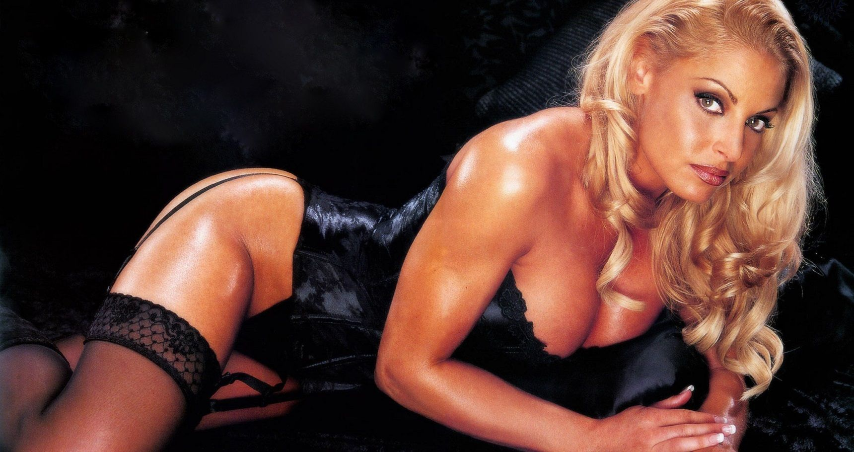 10 Things WWE Wants You To Forget About Trish Stratus
