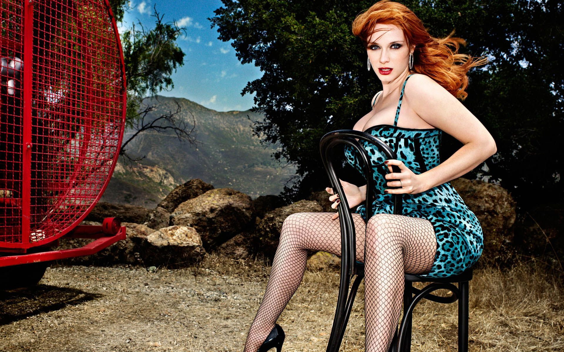 15 Radiant Redheads With Unbelievable Bodies