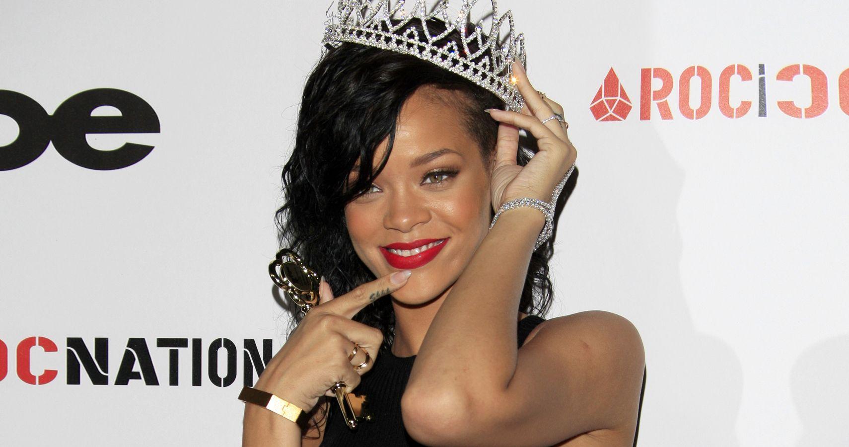 Rihanna Officially A Billionaire | TheRichest.com