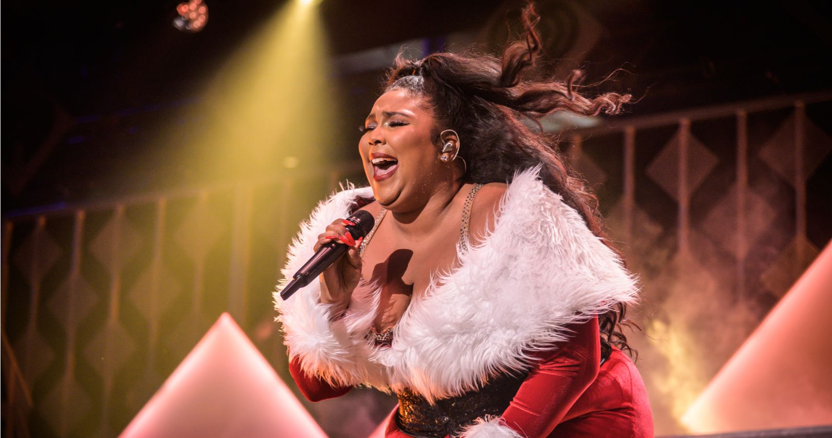 A Brand New Closet: Lizzo Surprises Her Mom With An Entirely New Wardrobe On Her Birthday