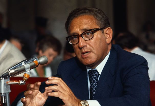 henry-kissinger-speaking-to-senate.jpg