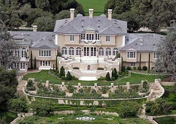 oprah-paid-a-reported-52-million-for-her-montecito-calif-estate-which-she-nicknamed-the-promised-land-in-2001